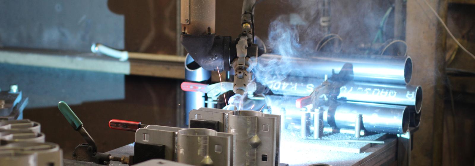 溶接加工設備